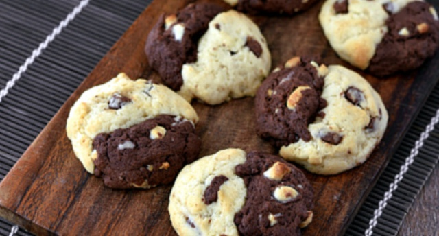 Двоколірне печиво з шоколадом