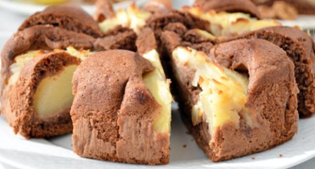 Горіховий пиріг з грушами