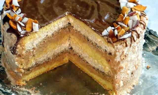 Горіховий торт зі смаком тоффі