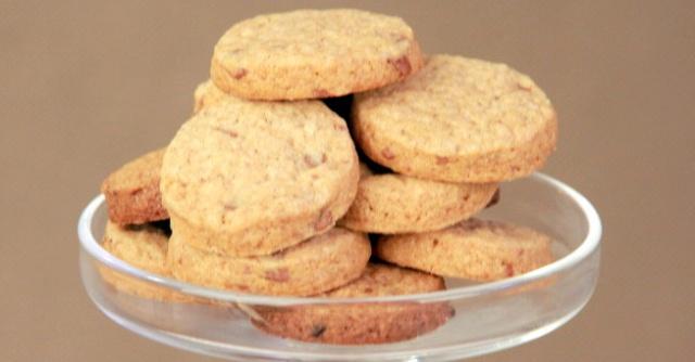 Печиво з корицею та шоколадом