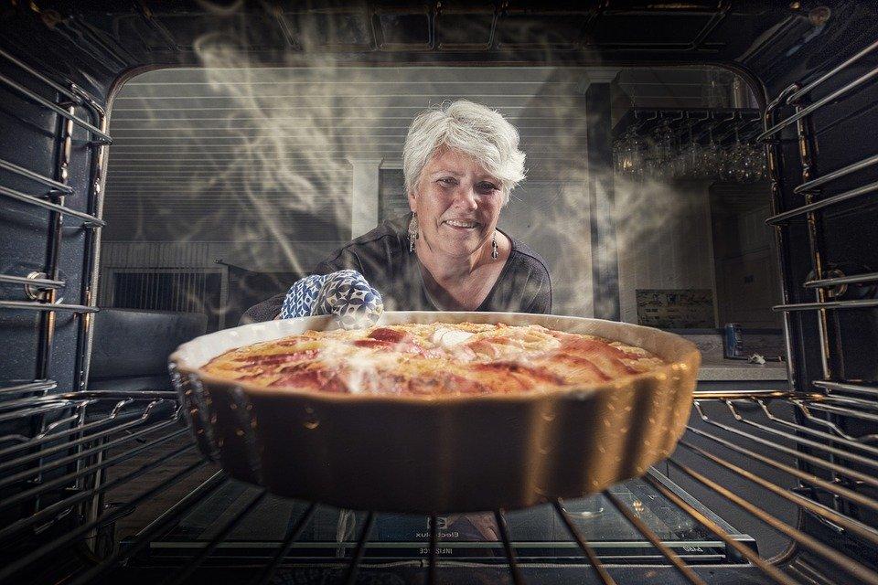 Техніка для кулінарних шедеврів: як правильно облаштувати кухню