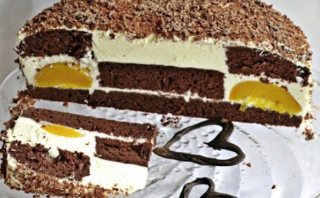 Торт Шоколадний сюрприз з персиками